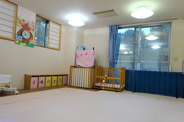 西神中央エンゼルホーム 乳児室